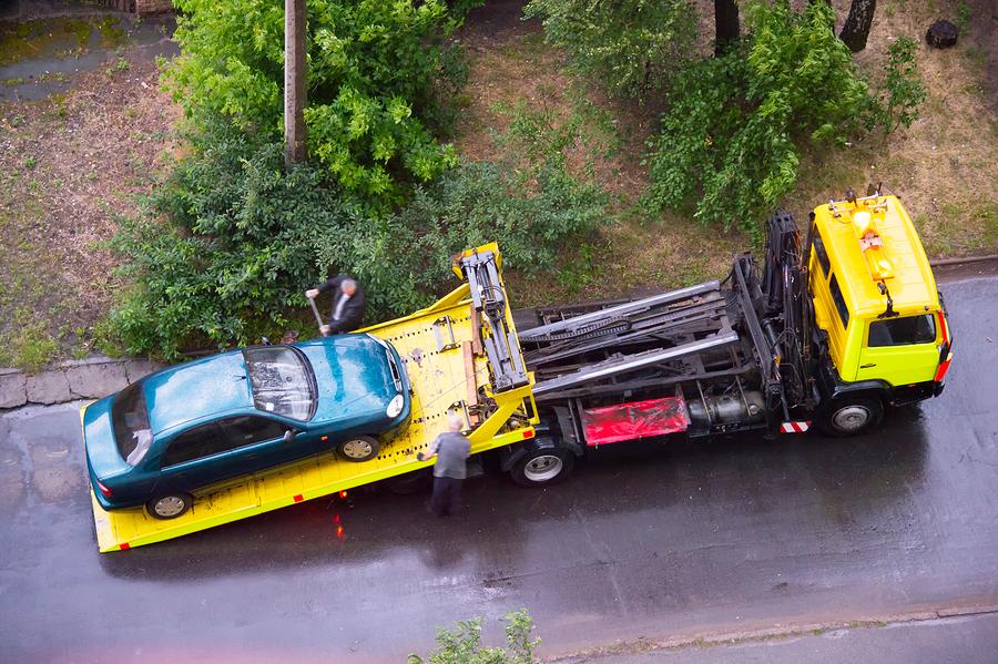 towing the damage car